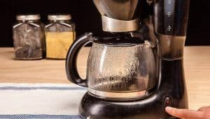 clean a coffee maker with vinegar